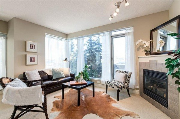 FOR SALE – Picture perfect Condo & ready for you to move in at Five West!